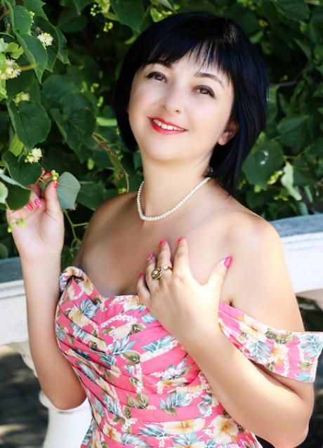 82 – mu2521 Ludmila 35 y.o.